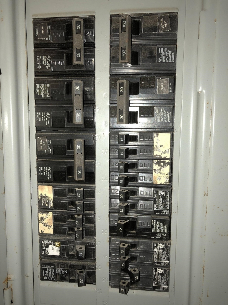 fuse box vs circuit breaker